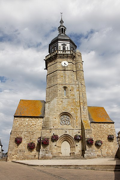 Photo du Monument Historique Eglise Saint-Jean situé à Lamballe
