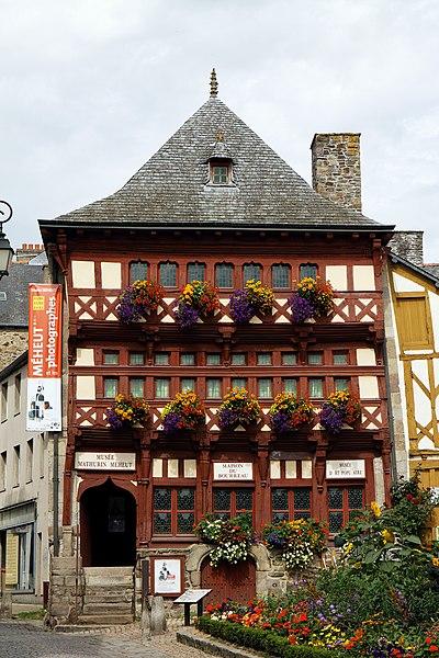 Photo du Monument Historique Maison dite du Bourreau situé à Lamballe