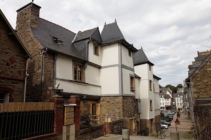 Photo du Monument Historique Deux maisons situé à Lamballe