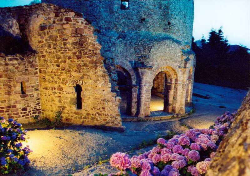Photo du Monument Historique Ruines de la rotonde dite Temple de Lanleff situé à Lanleff