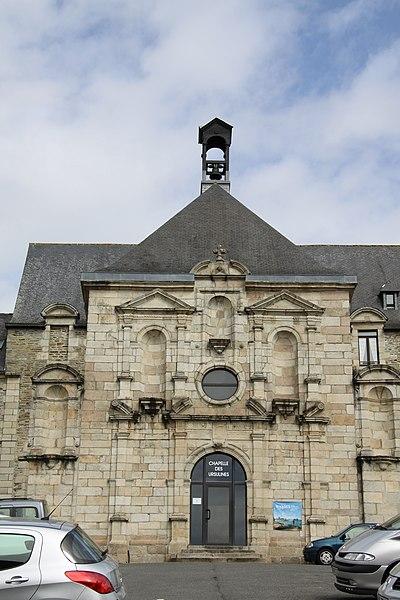 Photo du Monument Historique Ancien couvent des Ursulines situé à Lannion