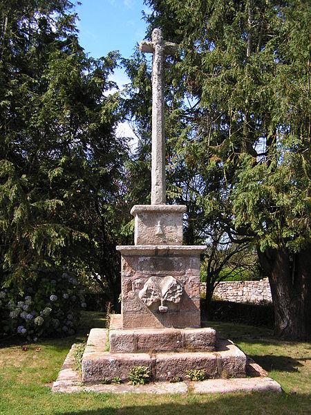 Photo du Monument Historique Croix de carrefour situé à Lannion