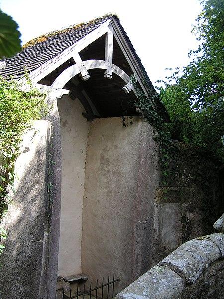 Photo du Monument Historique Fontaine des Cinq-Plaies situé à Lannion