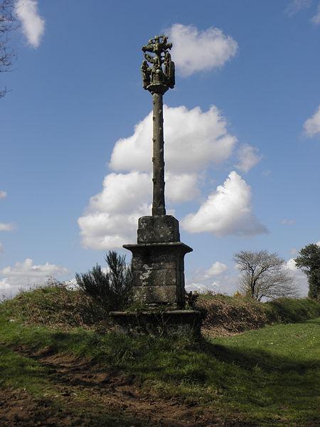 Photo du Monument Historique Croix du 18e siècle situé à Lanrivain