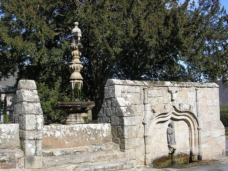 Photo du Monument Historique Eglise Saint-Yvi de Loguivy situé à Lannion