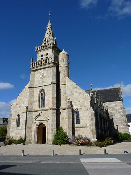 Photo du Monument Historique Eglise Saint-Pierre situé à Maël-Carhaix