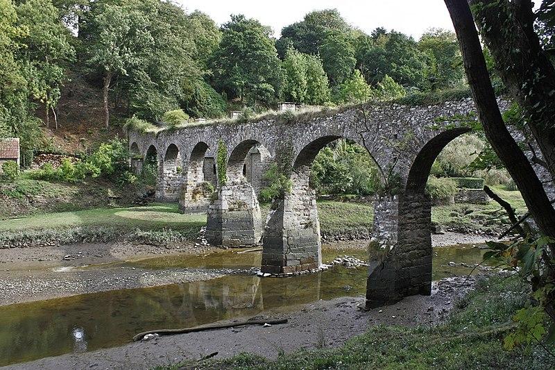 Photo du Monument Historique Aqueduc sur le Guindy situé à Minihy-Tréguier