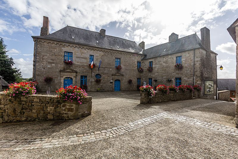Photo du Monument Historique Ancien hôtel de Kerjégu situé à Moncontour
