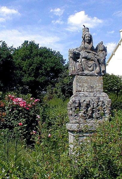 Photo du Monument Historique Croix situé à Le Moustoir