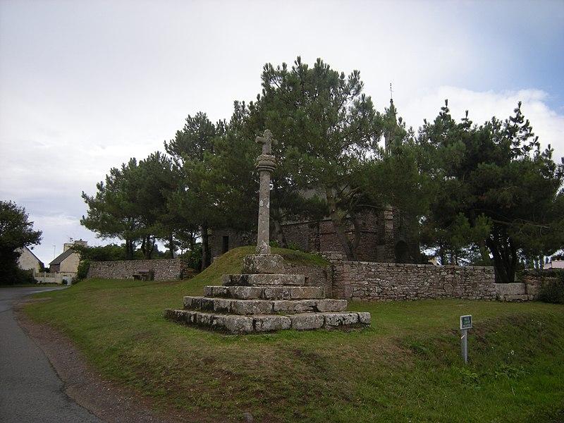 Photo du Monument Historique Croix situé à Paimpol
