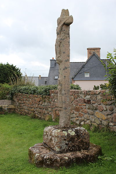 Photo du Monument Historique Calvaire, à Ploumanac'h, dans l'enclos de la chapelle Saint-Guirec situé à Perros-Guirec