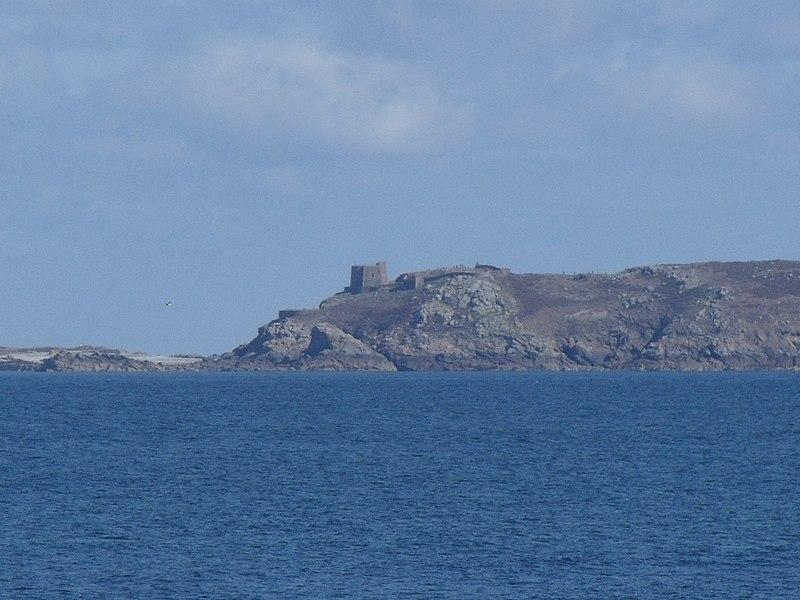 Photo du Monument Historique Fort de l'île aux Moines, dans l'archipel des Sept-Iles situé à Perros-Guirec