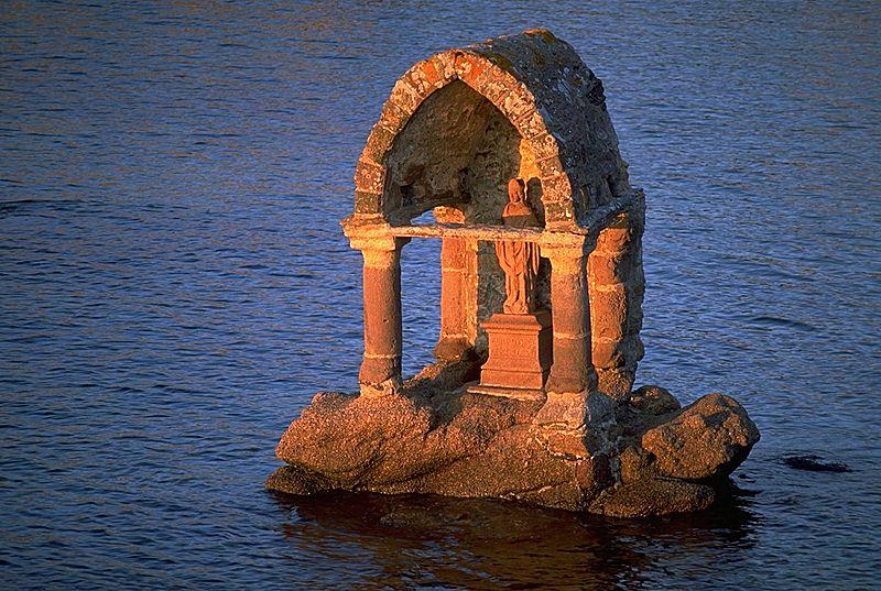 Photo du Monument Historique Oratoire de Saint-Guirec, à Ploumanac'h situé à Perros-Guirec