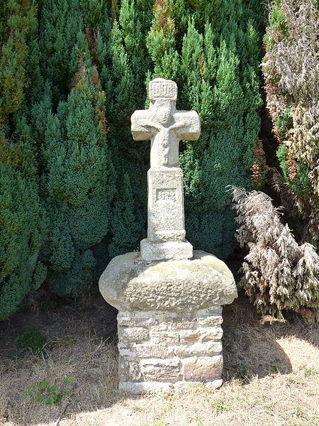 Photo du Monument Historique Croix du 18e siècle situé à Plémet