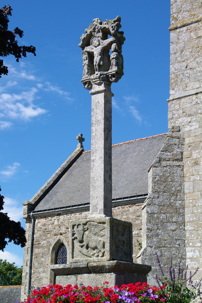 Photo du Monument Historique Croix du cimetière situé à Plestan