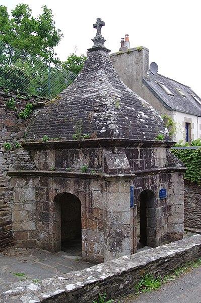Photo du Monument Historique Fontaine Saint-Efflam situé à Plestin-les-Grèves
