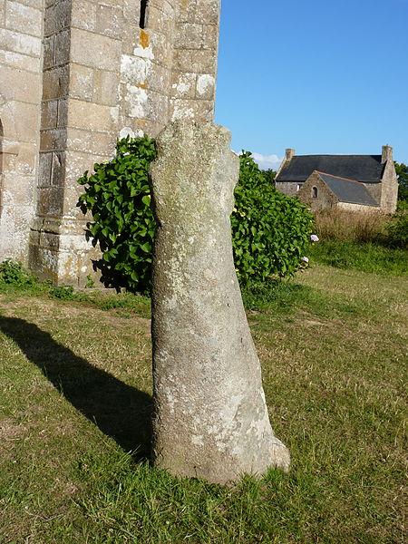 Photo du Monument Historique Menhir situé à Pleumeur-Bodou