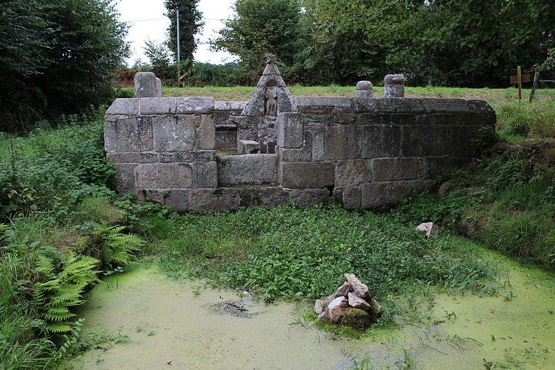 Photo du Monument Historique Fontaine Saint-Jean situé à Plouaret
