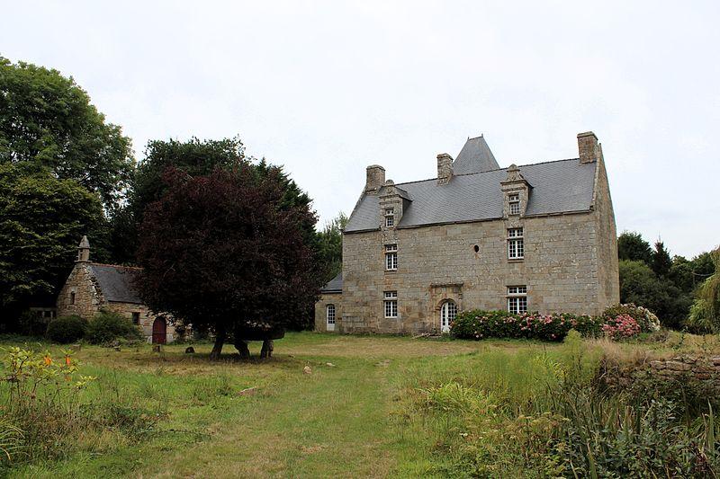 Photo du Monument Historique Manoir de Kerbridou situé à Plouaret
