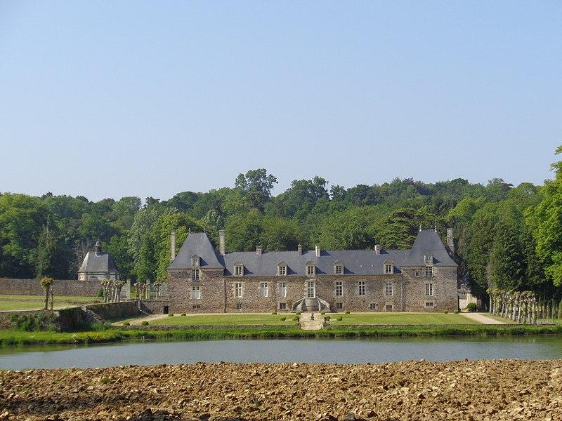Photo du Monument Historique Château de la Ville Huchet situé à Plouër-sur-Rance