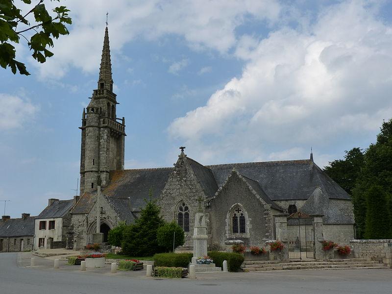Photo du Monument Historique Eglise Saint-Pierre situé à Plougras