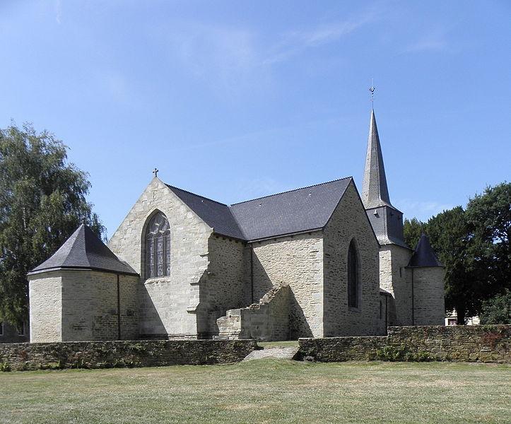 Photo du Monument Historique Eglise Saint-Pierre du Vieux-Bourg situé à Plouguenast