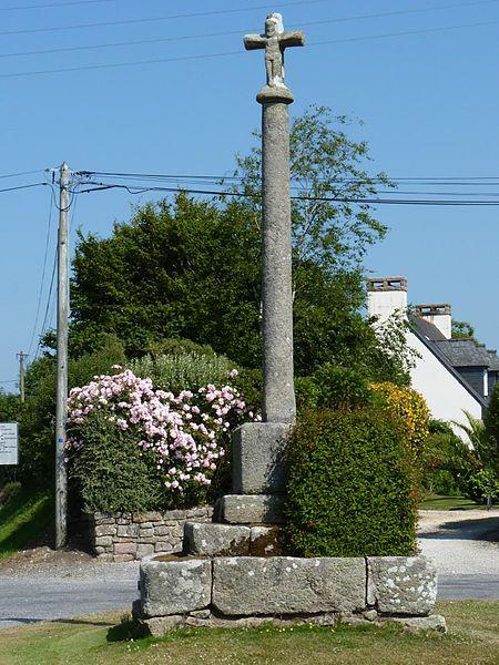 Photo du Monument Historique Croix du 17e siècle situé à Ploumilliau