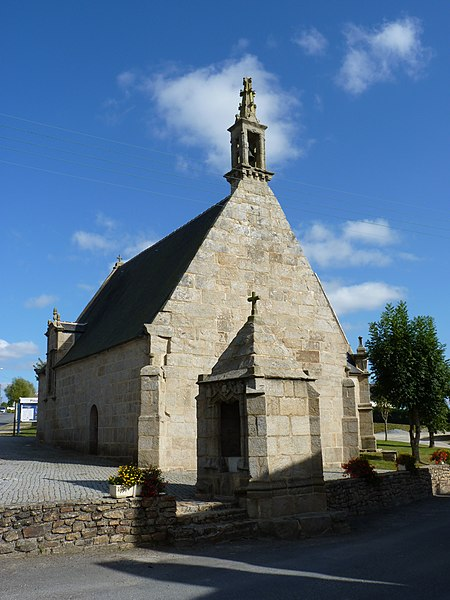 Photo du Monument Historique Chapelle Notre-Dame de Bon-Voyage et son oratoire situé à Plounérin