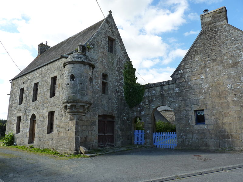 Photo du Monument Historique Manoir situé à Plounérin