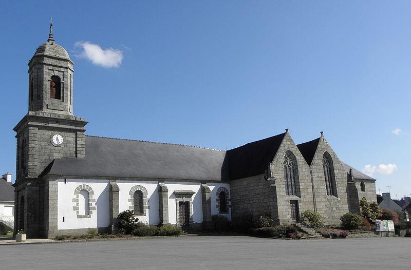 Photo du Monument Historique Eglise Saint-Pierre situé à Plounévez-Quintin