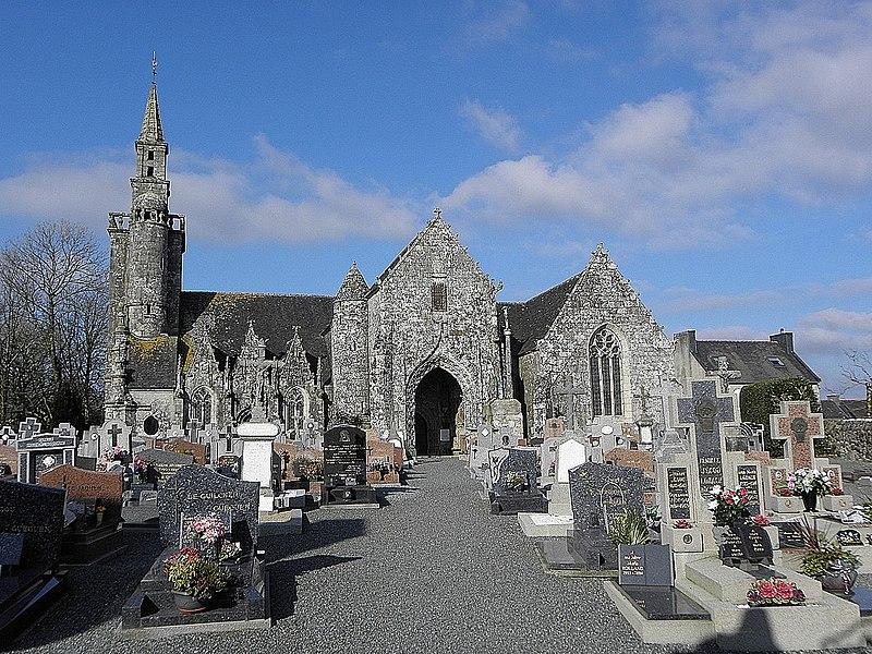 Photo du Monument Historique Eglise Notre-Dame et calvaire situé à Plourac'h