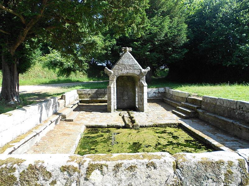 Photo du Monument Historique Fontaine Saint-Sylvestre situé à Plouzélambre