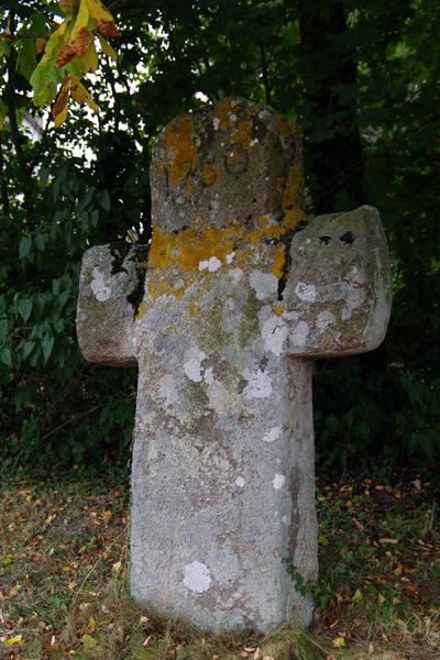 Photo du Monument Historique Croix monolithe situé à Pluduno