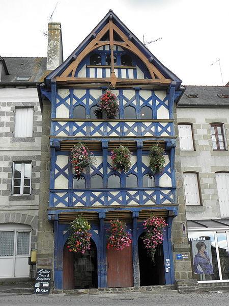 Photo du Monument Historique Maison du 16e siècle situé à Pontrieux