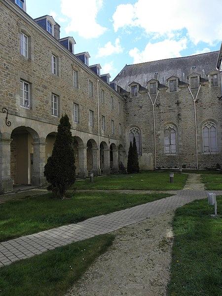 Photo du Monument Historique Chapelle des Ursulines situé à Quintin