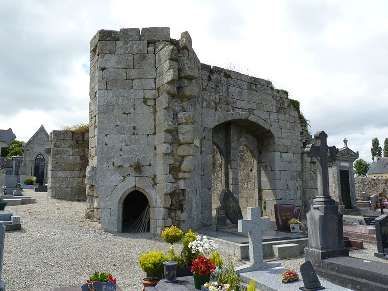 Photo du Monument Historique Restes de l'église Saint-Thuriau situé à Quintin