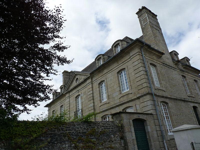 Photo du Monument Historique Maison du 18e siècle situé à Quintin