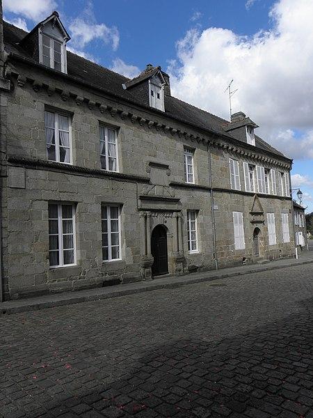 Photo du Monument Historique Deux maison situé à Quintin