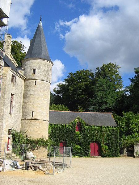 Photo du Monument Historique Château du Hac situé à Le Quiou