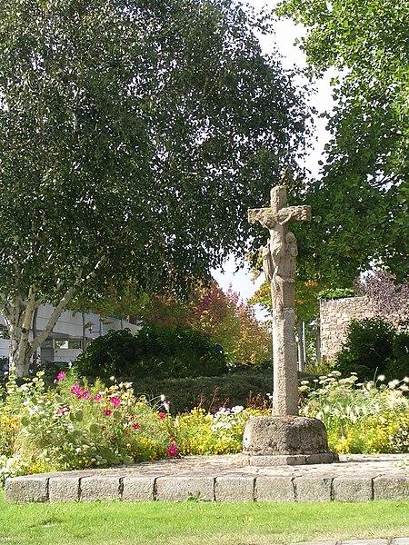 Photo du Monument Historique Croix Mathias situé à Saint-Brieuc