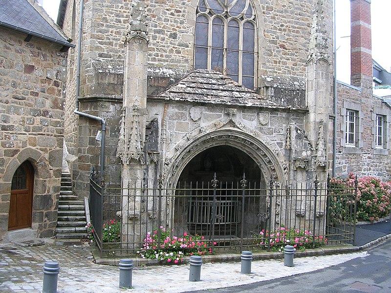 Photo du Monument Historique Fontaine Saint-Brieuc, ou Notre-Dame situé à Saint-Brieuc