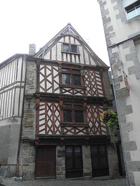Photo du Monument Historique Maison dite Le Ribeault situé à Saint-Brieuc
