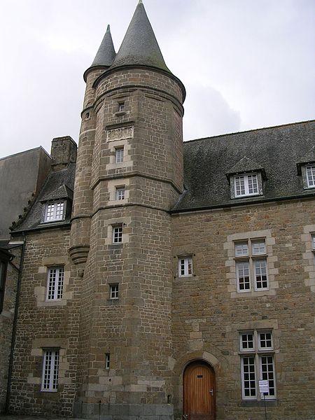 Photo du Monument Historique Tour du Saint-Esprit situé à Saint-Brieuc