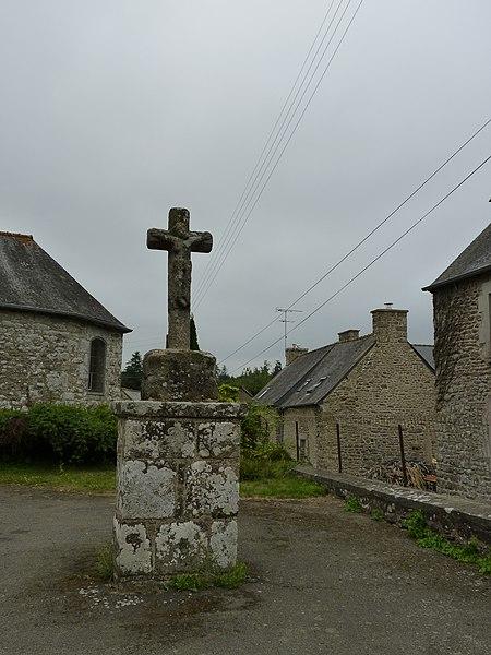 Photo du Monument Historique Croix de Saint-Guéhen situé à Saint-Carreuc