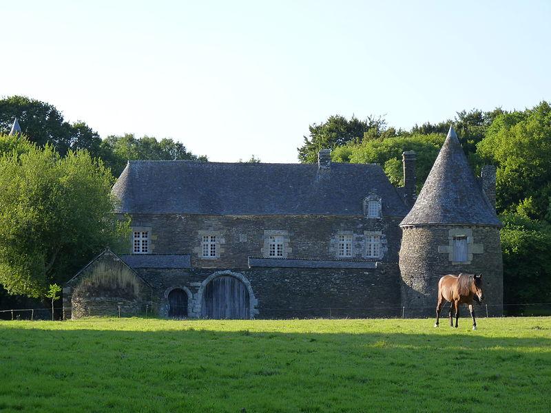 Photo du Monument Historique Manoir de Correc situé à Saint-Gelven