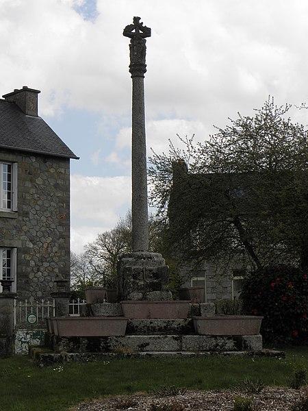 Photo du Monument Historique Croix du Sénéchal situé à Saint-Guen
