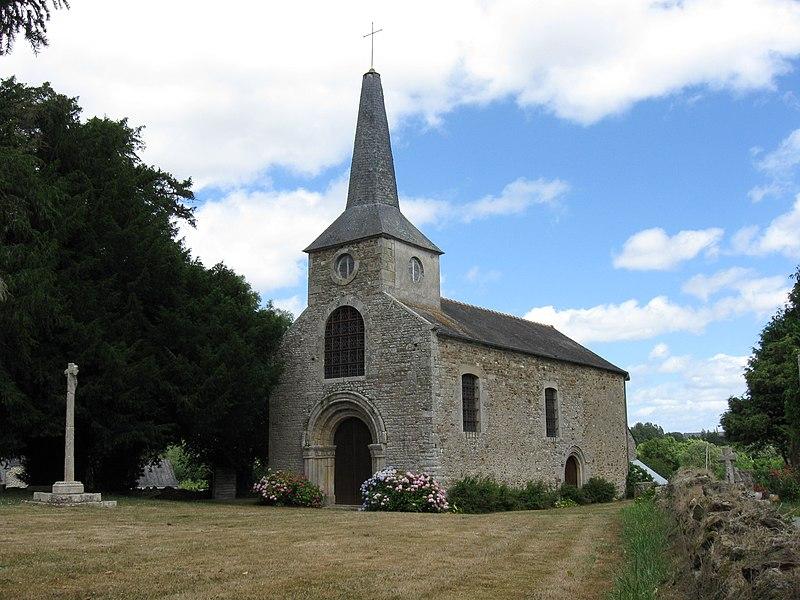 Photo du Monument Historique Ancienne église Saint-Lunaire situé à Saint-Lormel