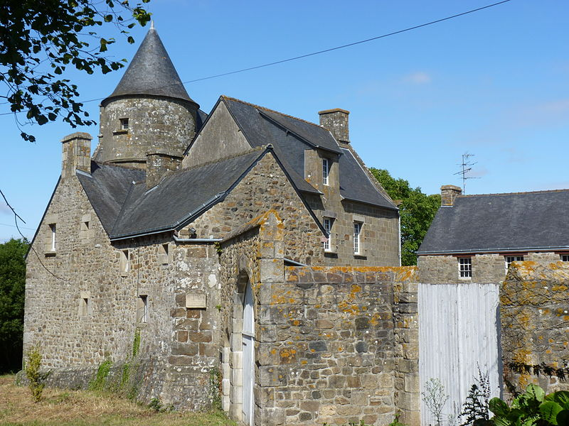 Photo du Monument Historique Manoir de Guélambert situé à Trégueux
