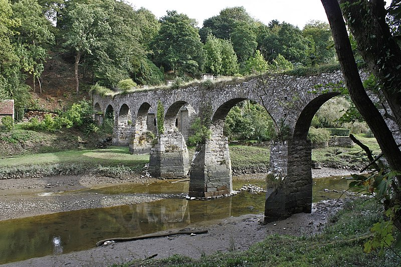 Photo du Monument Historique Aqueduc sur la Guindy situé à Tréguier