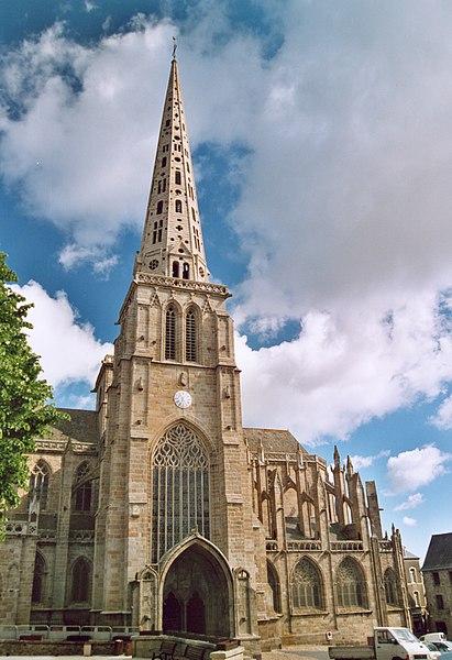 Photo du Monument Historique Ancienne cathédrale Saint-Tugdual et cloître situé à Tréguier